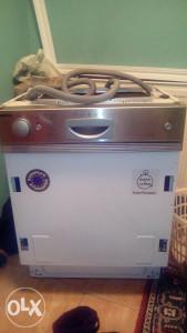 Mašina za suđe ugradna