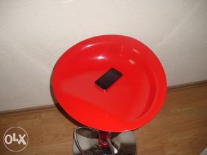IPHONE 4 otključan na sve mreže KAO NOV
