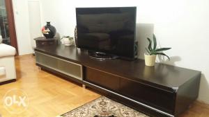 Komoda za TV i klupski stol