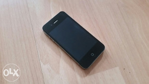 Iphone 4s crni
