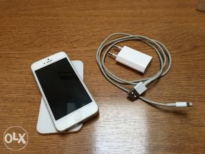 iPhone 5 64GB sim free ICloud free