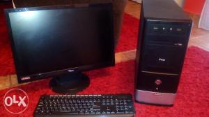 Kompjuter sa monitorom