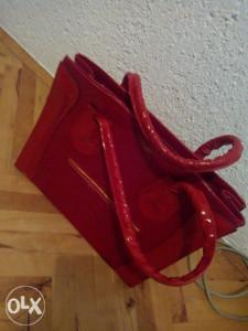Prodajem zensku torbu