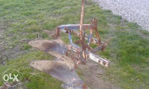traktor  plug olt posavac
