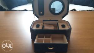 Kutija za nakit carpica