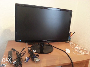 Samsung monitor ekran led Full HD za PC