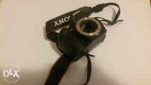 Digitalni fotoaparat Sony a300 /za dijelova/