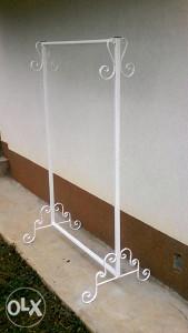 stalak vjesalice za butik oprema