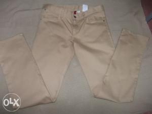 Ženske hlače vel.42