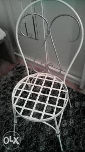 stolica od kovanog željeza