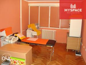 Stan-ordinacija/ Centar/ Bolnicka/ 64 m2