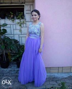 Svecana haljina. Ljubičasta boja. Srebrena cipka