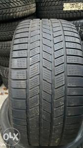 Prodajem 2 gume 275 40 20 Pirelli 2012g.