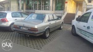 BMW 520i 2.5-24V E28