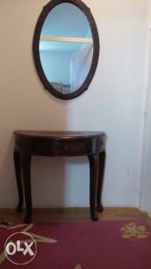 Stilski sto sa ogledalom ruzino drvo