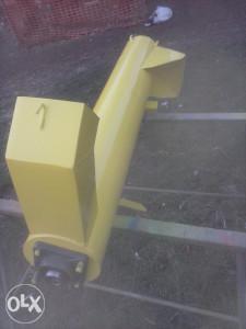 Krunjac traktorski uvrecivac
