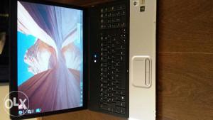 Laptop compaq sa camerom