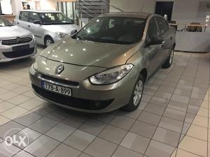 Renault fluence 2012 godina