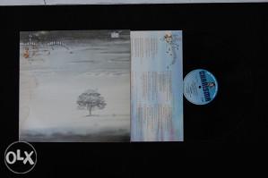 Genesis - Wind and wuthering LP (englesko izdanje)