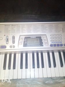 CASIO sintsajzer klavir klavijature ozvucenje