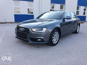 Audi a4 2.0 Tdi SPORT LINE -BI XNENON LED