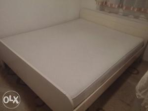 Bracni krevet 160×200(+madrac i latoflex)