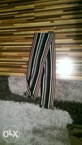 Prodajem nov šal povoljno