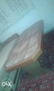 Stol sa plocicama