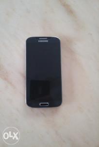 Samsung Galaxy S4 (pokvaren display)