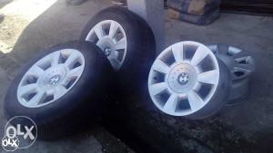 Orginalne BMW Aluminijske Felge sa Gumama