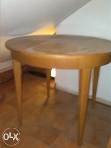 stol i dvije stolice