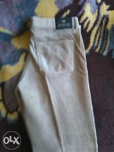 muske pantalone