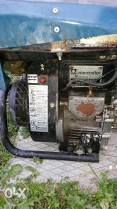 Motor benzin