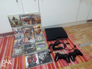 PlayStation 3 (160GB) + GTA 5 PS3 +18 ORGINALA