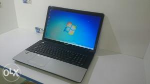 Packard Bell 17.3 HD LED/ 4 GB RAM/ HDMI/ WEB CAM