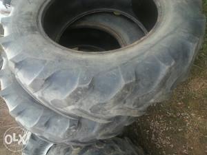 Traktorske gume 16.9 34