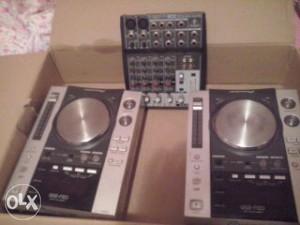 DJ PIONEER CDJ 200