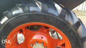 Traktorske gume i felge 12.4 32 zetor
