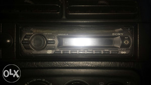 Sony CDX-GT111 MP3 Aux