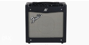 FENDER MUSTANG POJACALO