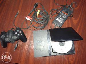 Sony Playstation 2 slim 2 Jojstick +preko 50 igrica