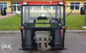 Nova kabina za traktor Ursus c 360