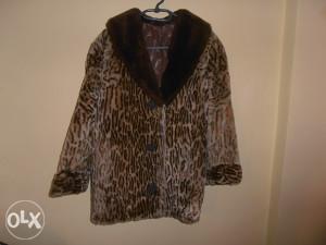 Bunda od prirodnog krzna leoparda