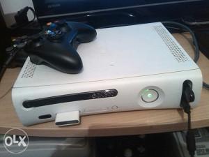 Xbox 360 cipovana konzola sa 13 igrica