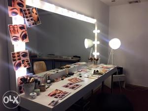 Make up ogledalo sa kompletnom sminkom!