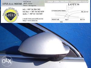 Opel Insignia-desni retrovizor (ostali dijelovi)