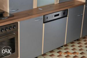 Kuhinja siva sa aparatima 3.30 m