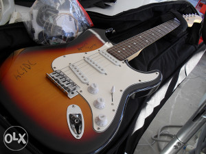 Elektricna gitara RockTile