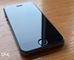 Iphone 5s space grey savrseno ocuvan / moguca zamjena
