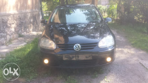 VW GOLF 5 KOMPLETAN BRANIK I MASKA SA MAGLENKAMA